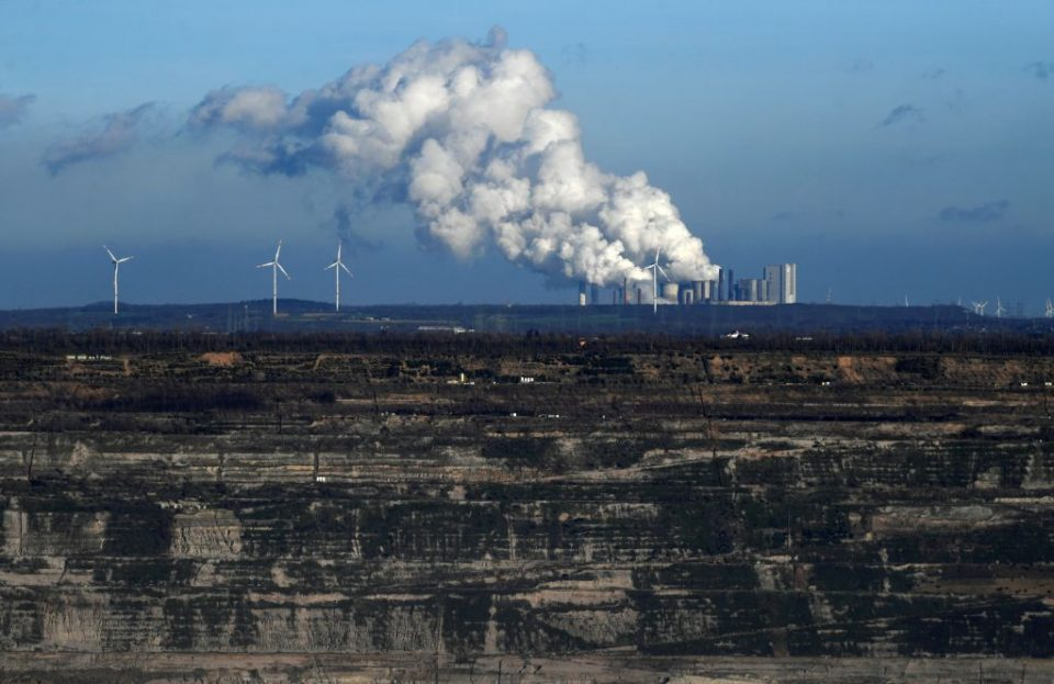 The German government has agreed to a €40bn (£34.2bn) deal to help workers and companies as part of plans to end the use of brown coal power plants by 2038.