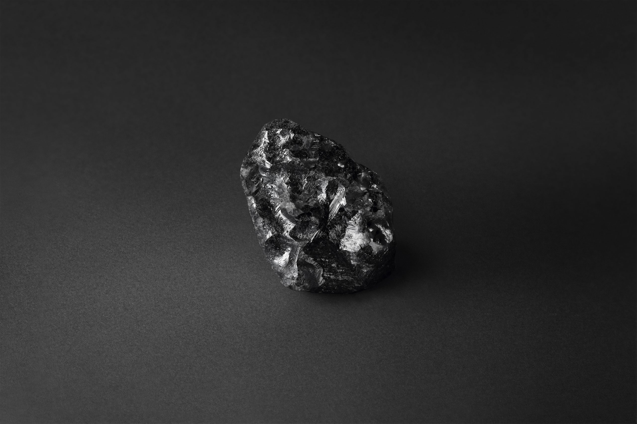 Louis Vuitton has entered into a partnership with Canadian corporation Lucara to make jewellery from the second largest rough diamond ever mined, in a sign of its growing ambitions in the high-end jewellery market.