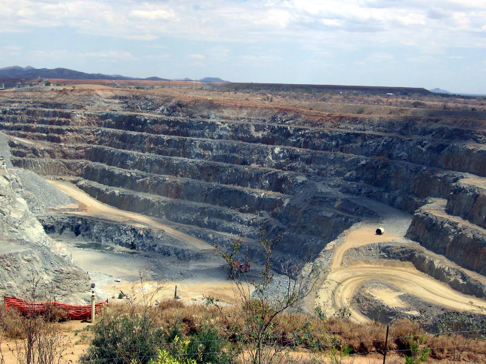 Australian miner Resolute sells Queensland pit for £159m