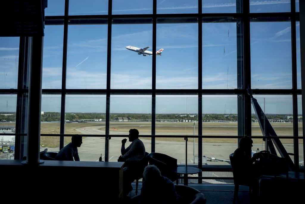 Business groups react as Heathrow expansion in doubt again
