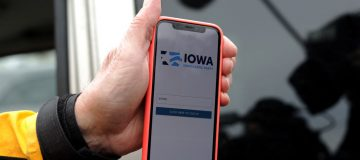 Technical Difficulties Continue To Delay Iowa Caucus Results