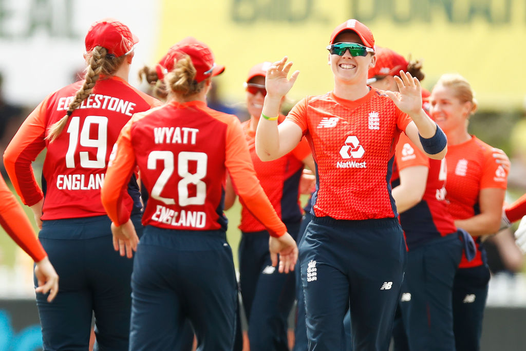 Australia v England - Women's T20 Tri-Series Game 6