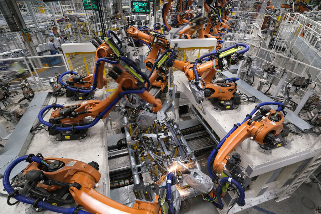 British car production declined for a fifth consecutive month in January, but an increase in overseas orders gave the struggling sector some cause for cheer after a challenging 2019.