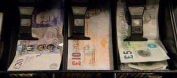 Banknote printer De La Rue set for review of finances