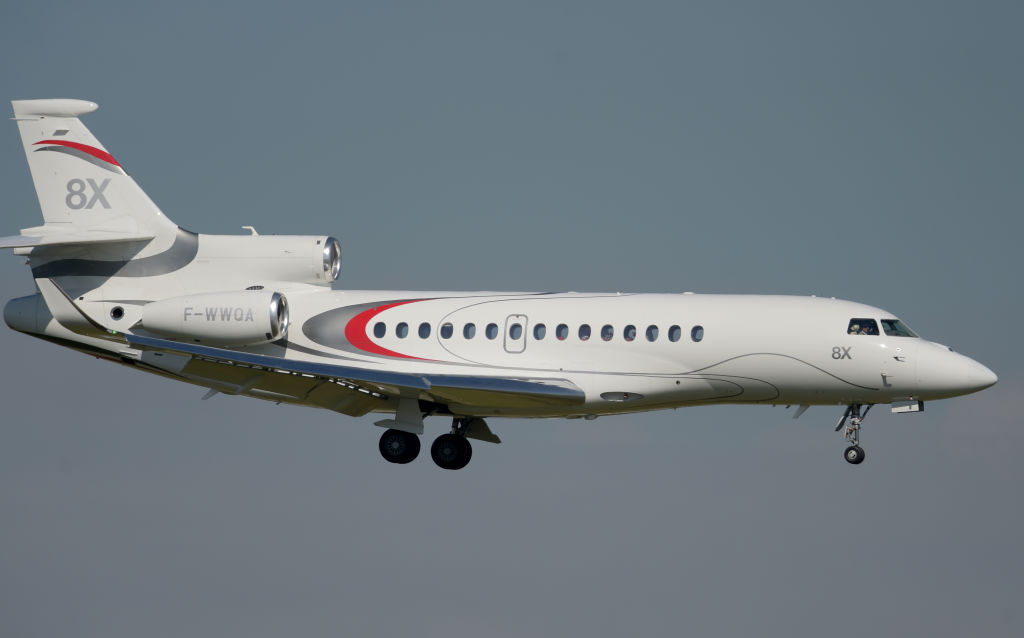 FRANCE-TRANSPORT-AVIATION-AIRSHOW-FALCON-8X