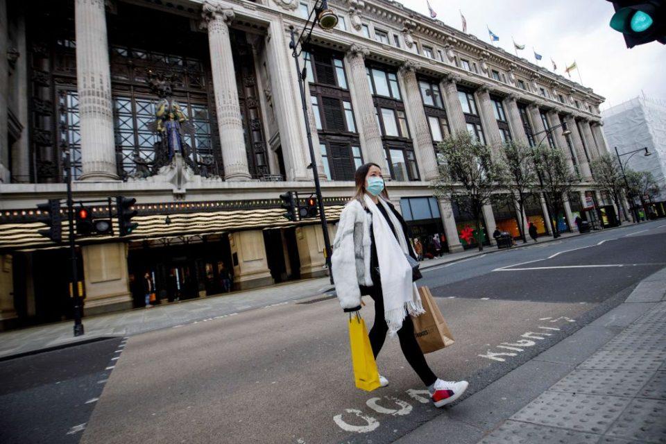BRITAIN-HEALTH-VIRUS-ECONOMY-BUSINESS-SELFRIDGES