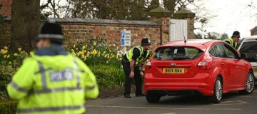BRITAIN-HEALTH-VIRUS-POLICE-CHECKS