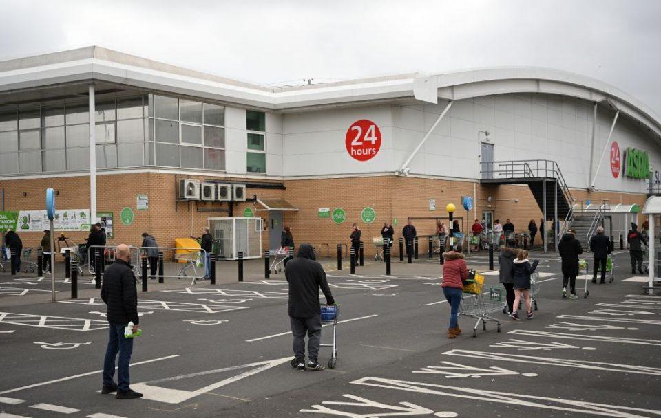 tesco-panic-buying-queues-supermarket