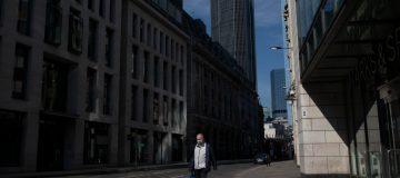 Coronavirus: FTSE 100 rises after tough start to the quarter