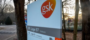 Drug giant Glaxosmithkline (GSK) today announced that it would aim to produce 1bn vaccine booster shots next year