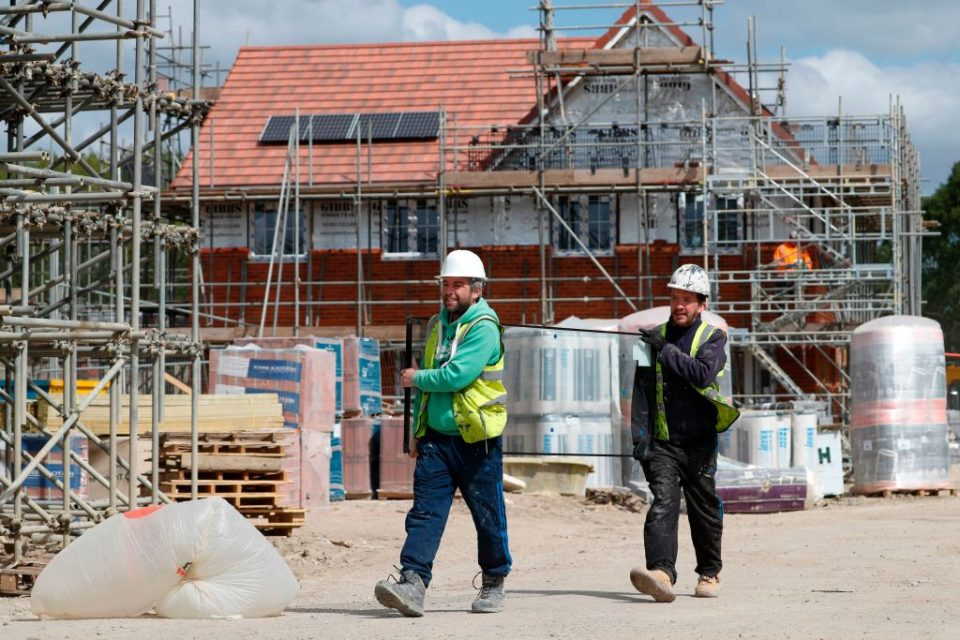 BRITAIN-HEALTH-VIRUS-CONSTRUCTION
