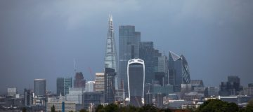 FCA warns banks and brokers over risks of home working