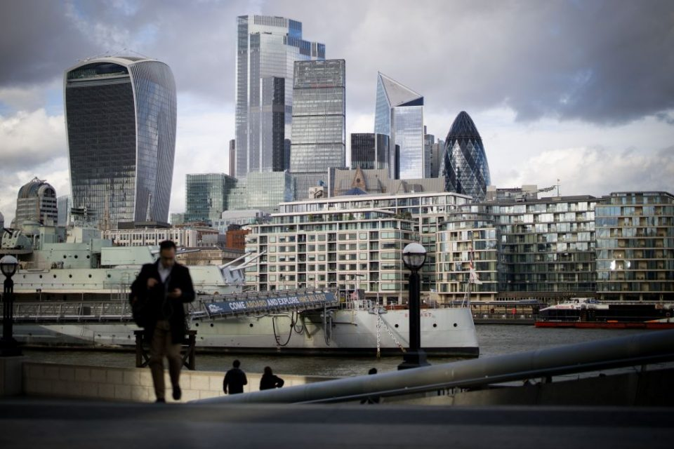 FTSE 100 rally resumes as investors bet on recovery