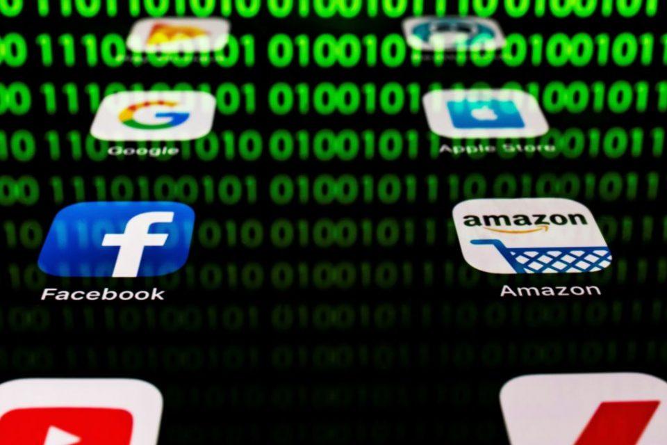FRANCE-COMPUTING-APP-ECONOMY-SOCIAL MEDIA-RETAIL-HACKING