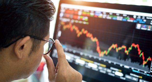 FTSE 100 quarterly review highlights the economy's winners and losers
