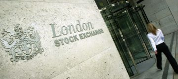 London Stock Exchange considers selling Milan bourse to secure Refinitiv deal