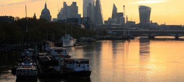 UK set for double-dip recession as GDP plummets 2.6 per cent