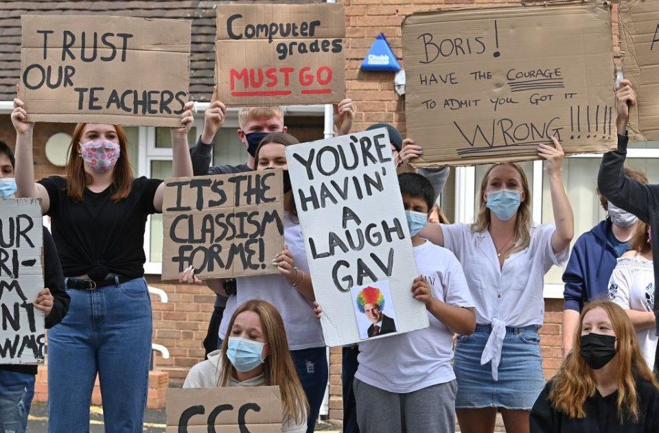 BRITAIN-POLITICS-EDUCATION-HEALTH-VIRUS