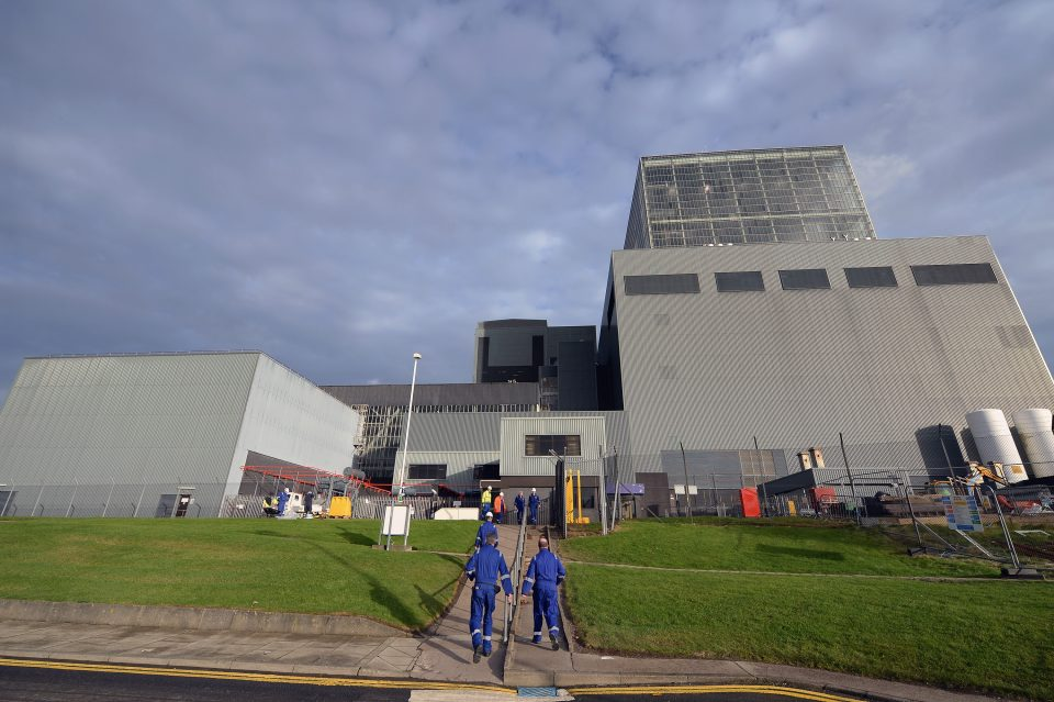 EDF today announced that the Hunterston B nuclear power station in Scotland would begin decommissioning in January 2022 at the latest.