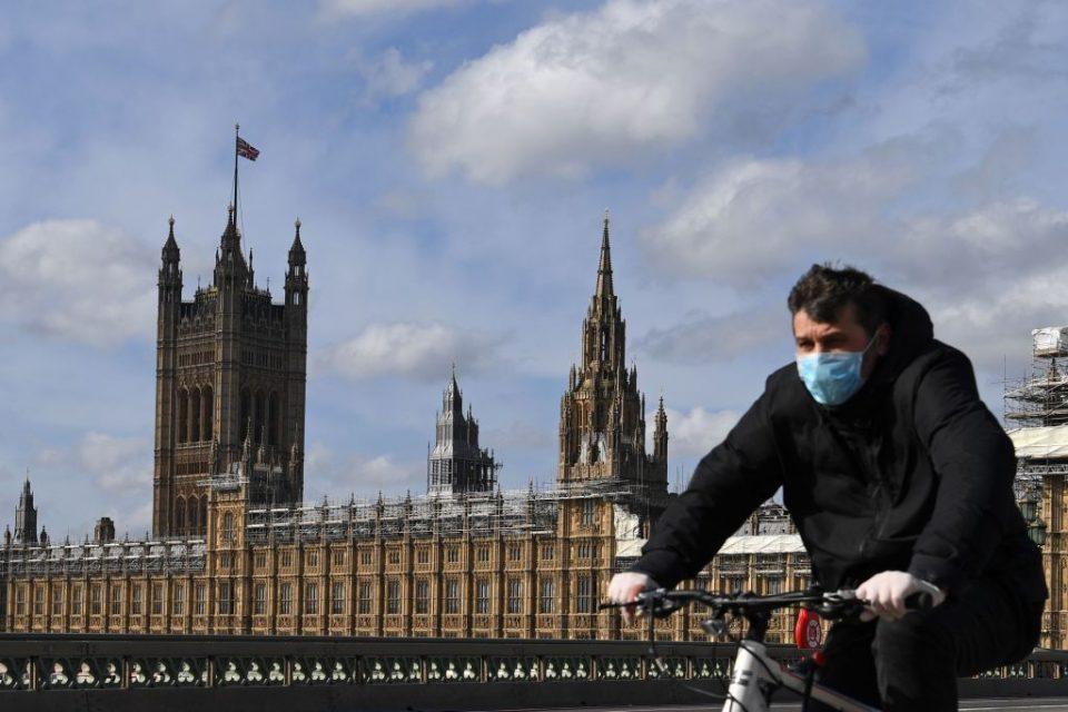 BRITAIN-VIRUS-HEALTH