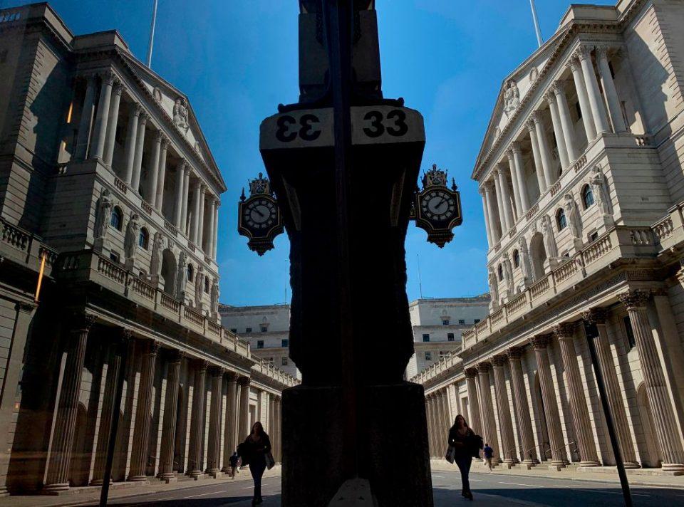 FTSE 100 flatlines as investors nurse wounds