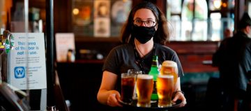 BRITAIN-HEALTH-VIRUS-PUBS