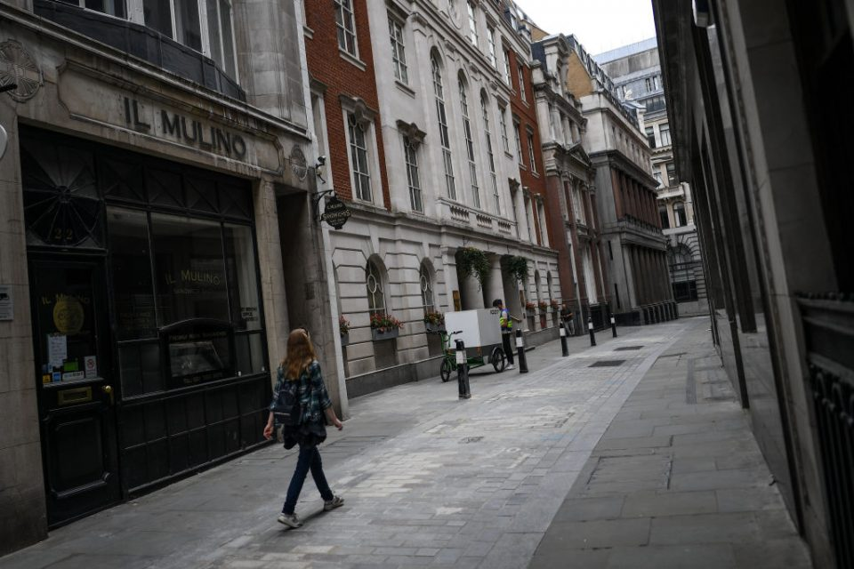 UK economy: Job adverts fall while retail footfall flatlines