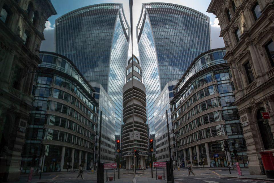 FTSE 100 rises amid dealmaking frenzy