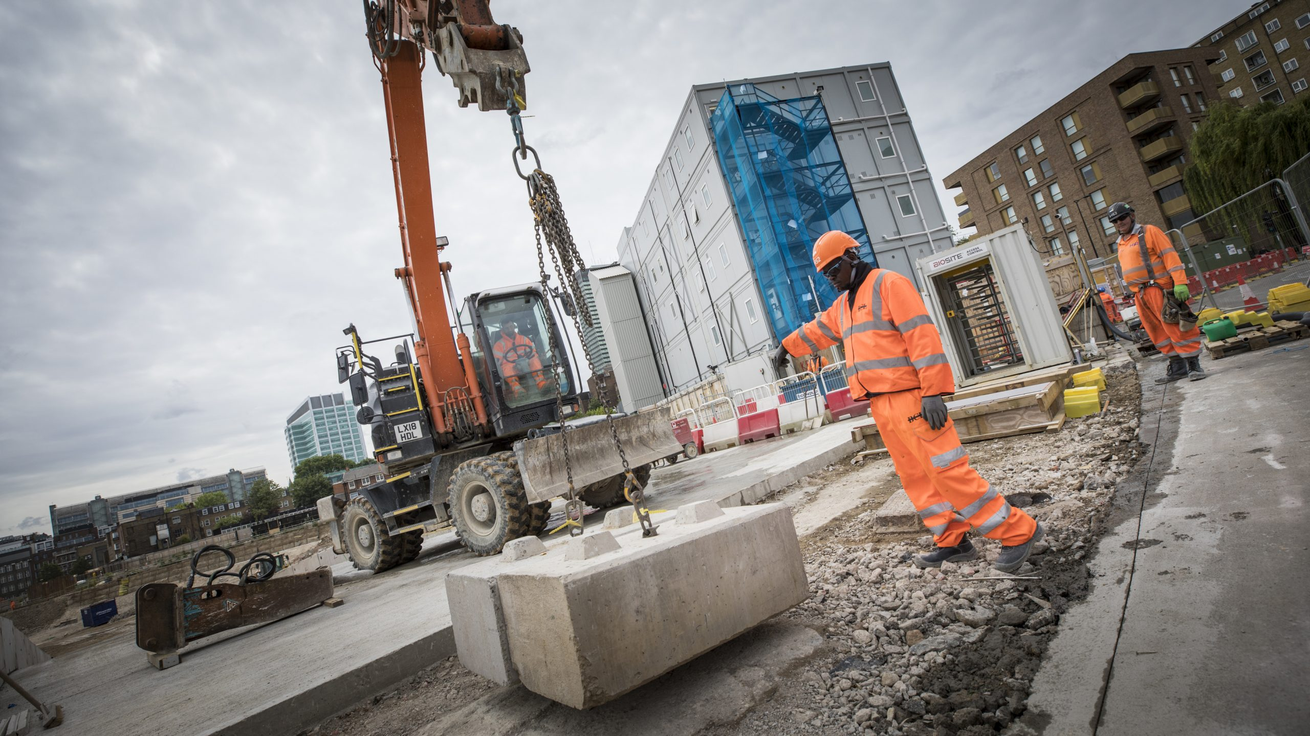 Sunak pledges £100bn to fund 'once in a generation' infrastructure push
