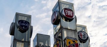 Auto giant Fiat Chrysler (FCA) is facing a £5bn UK legal challenge over claims that the carmaker concealed the true levels of emissions that its vehicles produced from customers.