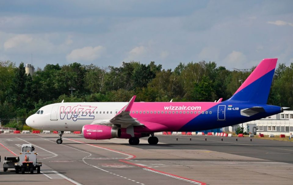 Wizz Air has reportedly offered its boss Jozsef Varadi an £100m one-off bonus if he can more than double the Hungarian carrier's share price over the next five years.