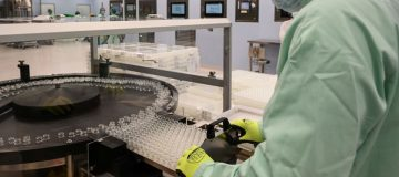 ITALY-HEALTH-VIRUS-SCIENCE-TECHNOLOGY-PHARMACEUTICALS-VACCINE-MA