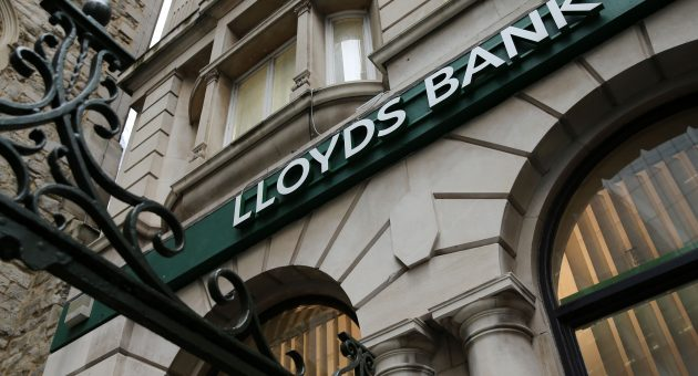 Lloyds profit beats forecasts on pandemic mortgage boom