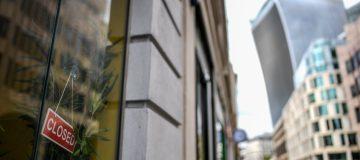 FTSE 100 drops as coronavirus sparks sharp weekly fall