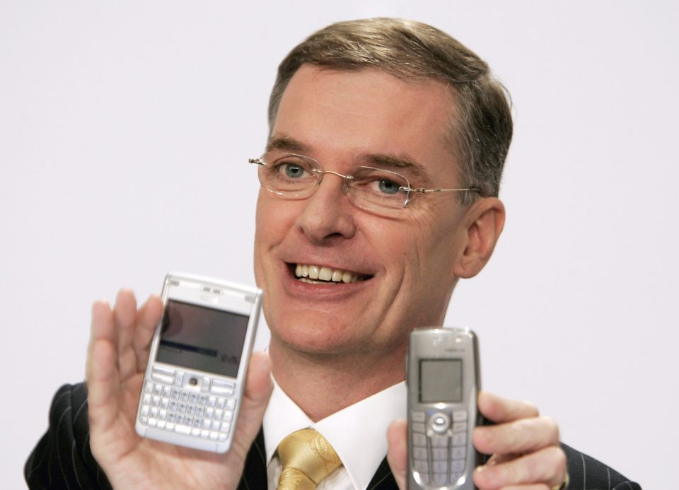 Nokia And Siemens - Mobile Phone Giants Merge Networks