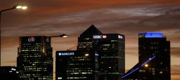 uk finance banking canary wharf