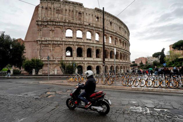 DOUNIAMAG-ITALY-ENVIRONMENT-TRAFFIC-URBAN-TRANSPORT-ROME