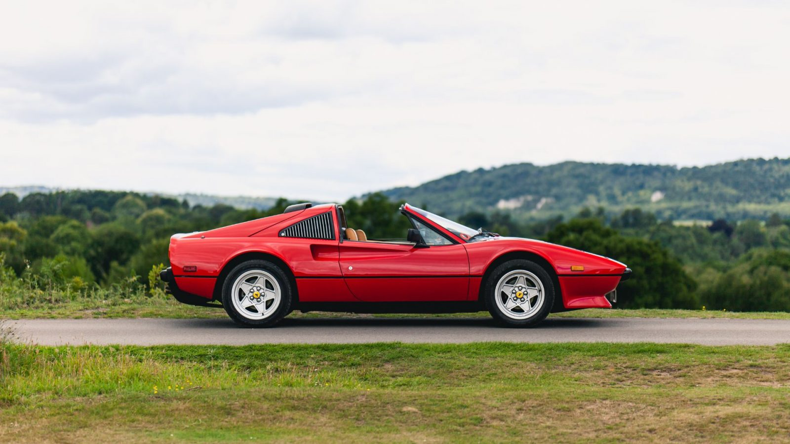 40 Years On Living The Magnum P I Dream In A Ferrari 308 Gts Cityam