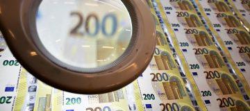 EU-ITALY-BANKNOTES-EURO