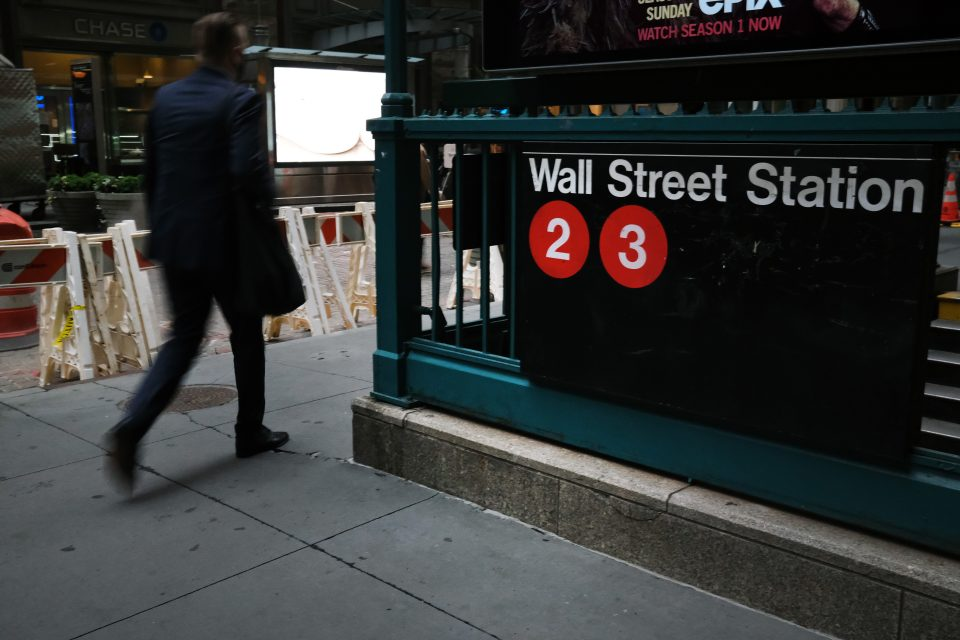 US stocks hit all-time high but economic fears knock FTSE 100