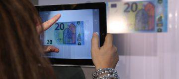 Mario Draghi Presents New 20 Euro Note