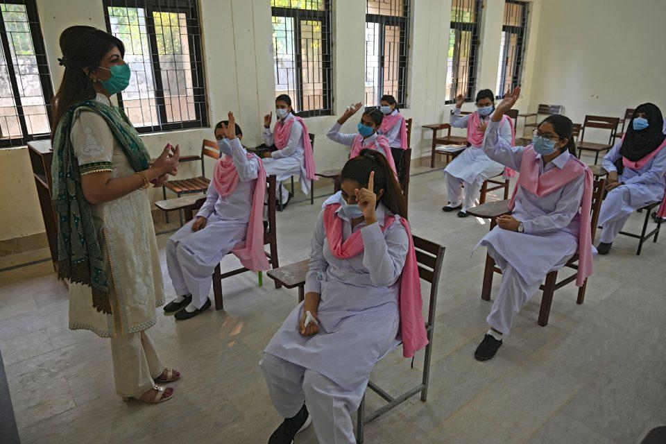 PAKISTAN-HEALTH-VIRUS-EDUCATION