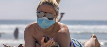 US-HEALTH-VIRUS-BEACH-HEAT