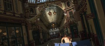 The bars and restaurants of Leadenhall Market have been virtually empty since the start of lockdown 2