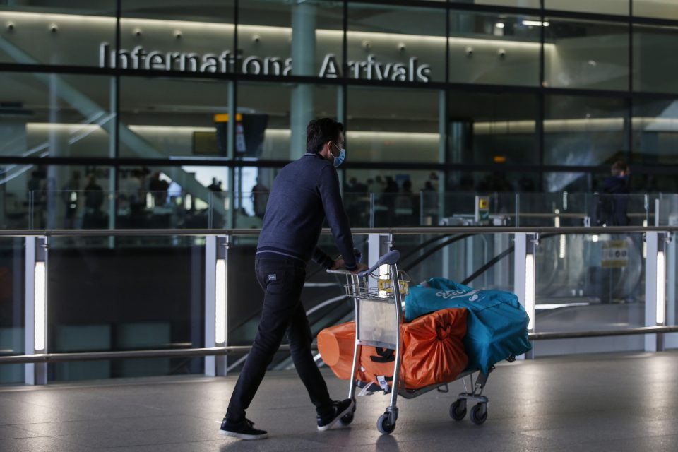 The UK aviation industry has made fresh pleas for emergency financial support from ministers after international travel was banned for the duration of the new lockdown.