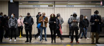Tube use peaked on the day before the second national lockdown came into effect as people rushed to offices and shops ahead of the new restrictions.