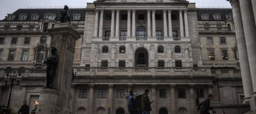 Bank of England holds policy and says vaccines 'reduce risks' to economy