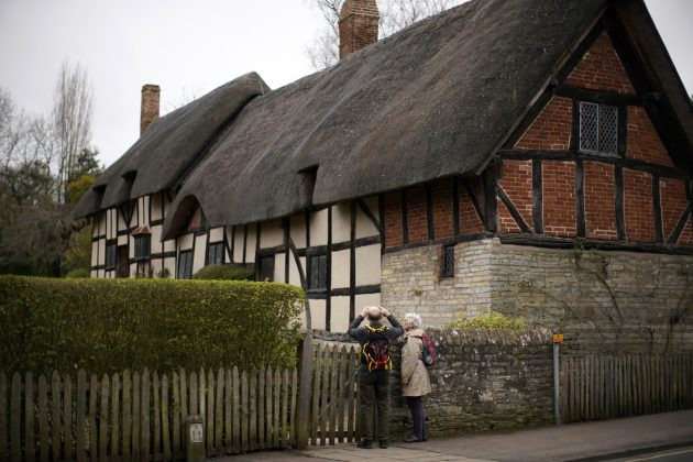 Coronavirus Closes Shakespeare's Town Ahead Of Birthday Celebrations