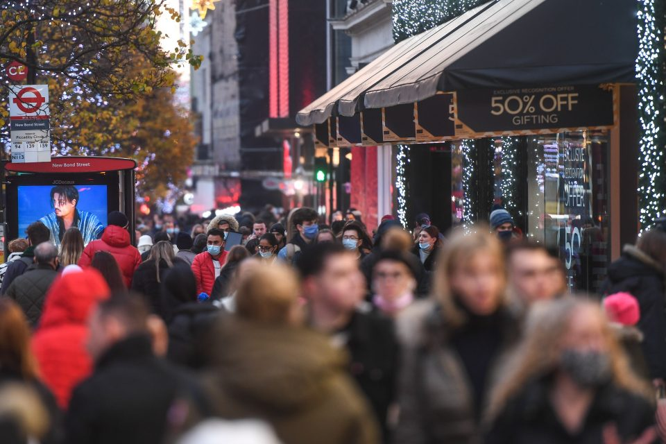 Shopping Picks Up After London's Lockdown Relaxed