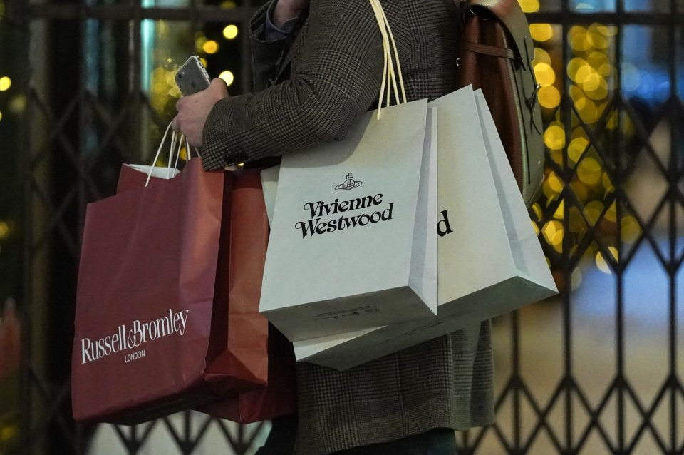 UK Shoppers Expected To Spend Over £80 Billion In Run Up To Christmas